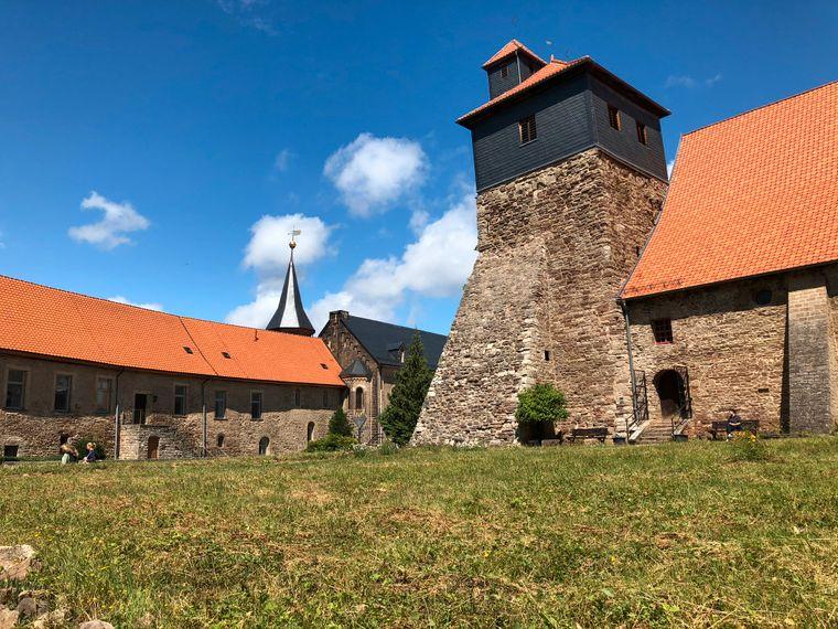 Das Kloster bei schönem Wetter.