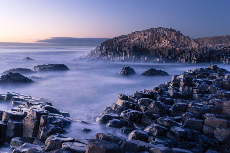 Rund 40.000 Basaltsäulen stehen an der Küste des Giant's Causeway.