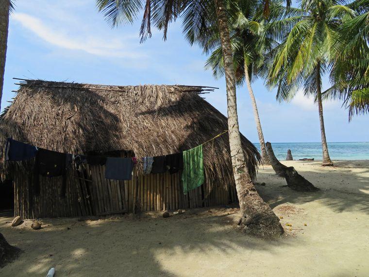 Strandhütten auf der Isla Chichime.