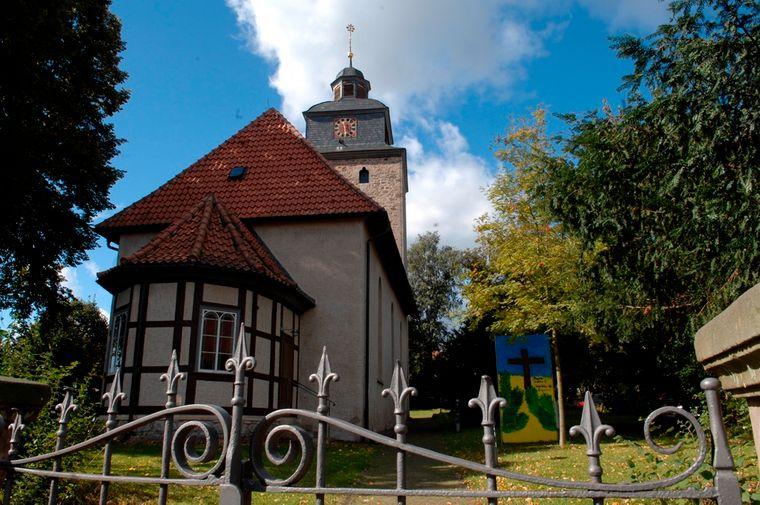 Die kleine Kirche in Obernjesna ist ein beliebtes Wanderziel.