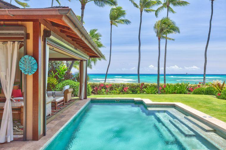 Promi-Airbnb auf Hawaii mit Pool und Meerblick.