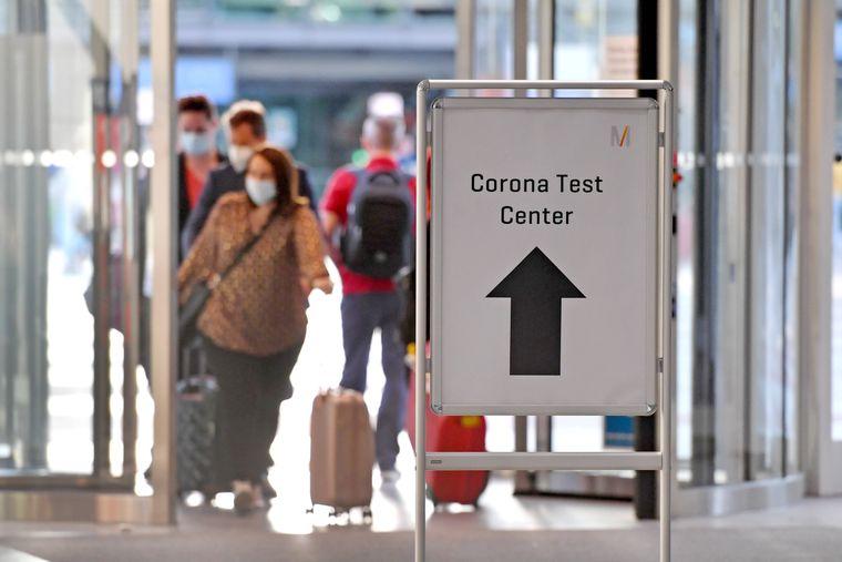 Corona-Tests an deutschen Flughäfen waren im Sommer für alle Reiserückkehrer kostenlos.
