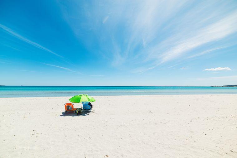 Der La Cinta Beach auf der italienischen Insel Sardinien.