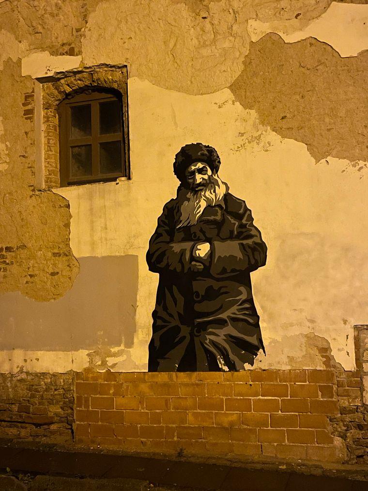 Großformatige Graffiti erinnern an die mehr als 200.000 Juden aus Vilnius, die während des Zweiten Weltkriegs ermordet wurden.