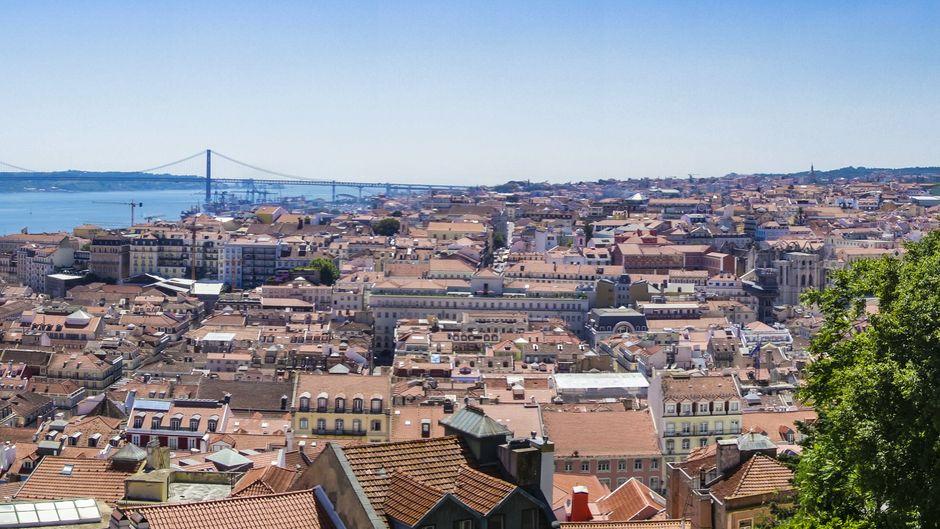 In Lissabon strahlt auch im Oktober noch regelmäßig die Sonne. (Symbolfoto)
